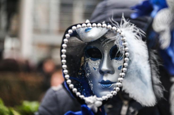 carnival-1991815_1920.jpg