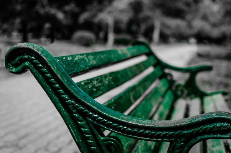park-bench-338429_1920.jpg